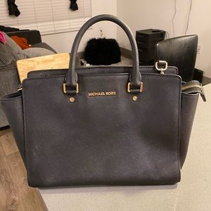 Michael Kors Largs Selma Bag